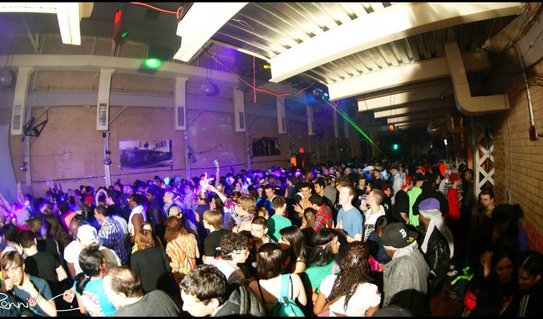 2/20/11 Naughty Neon Aftermovie